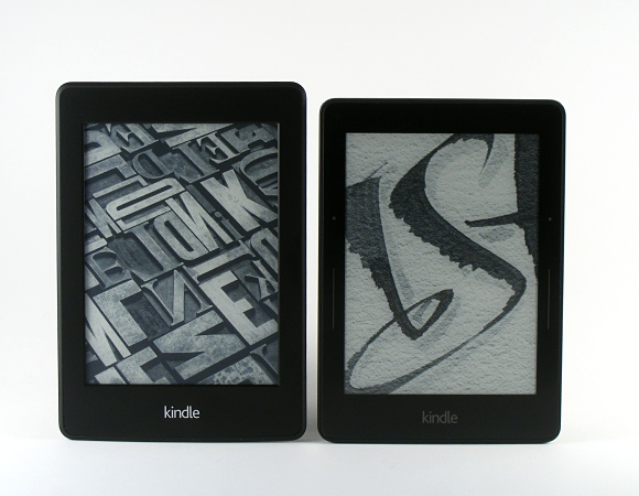 Kindle Paperwhite, links Kindle Voyage